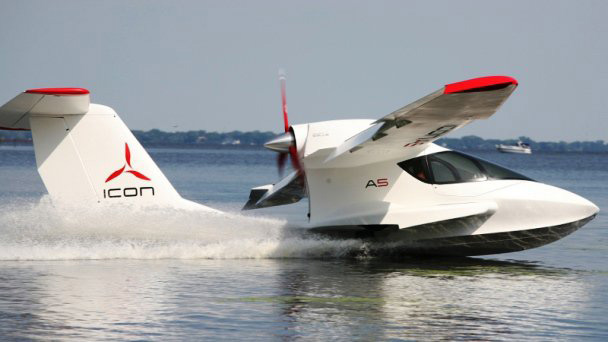 Icon A5 Flying ICON A5 deliver...
